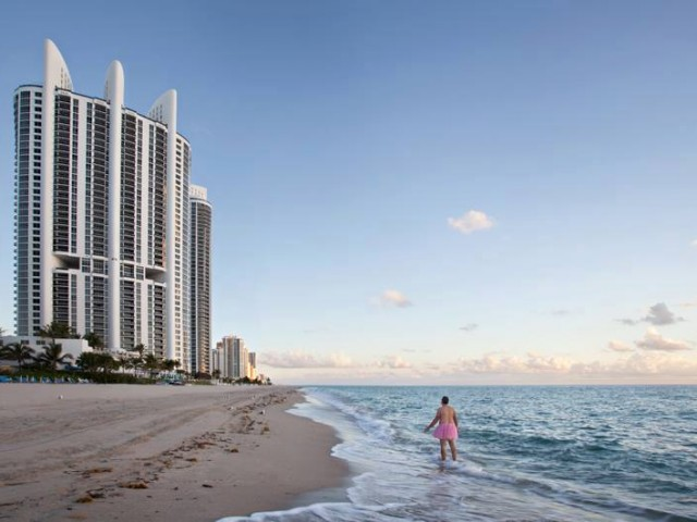Sunny Isles - The Tutu Project for Breast Cancer Awareness