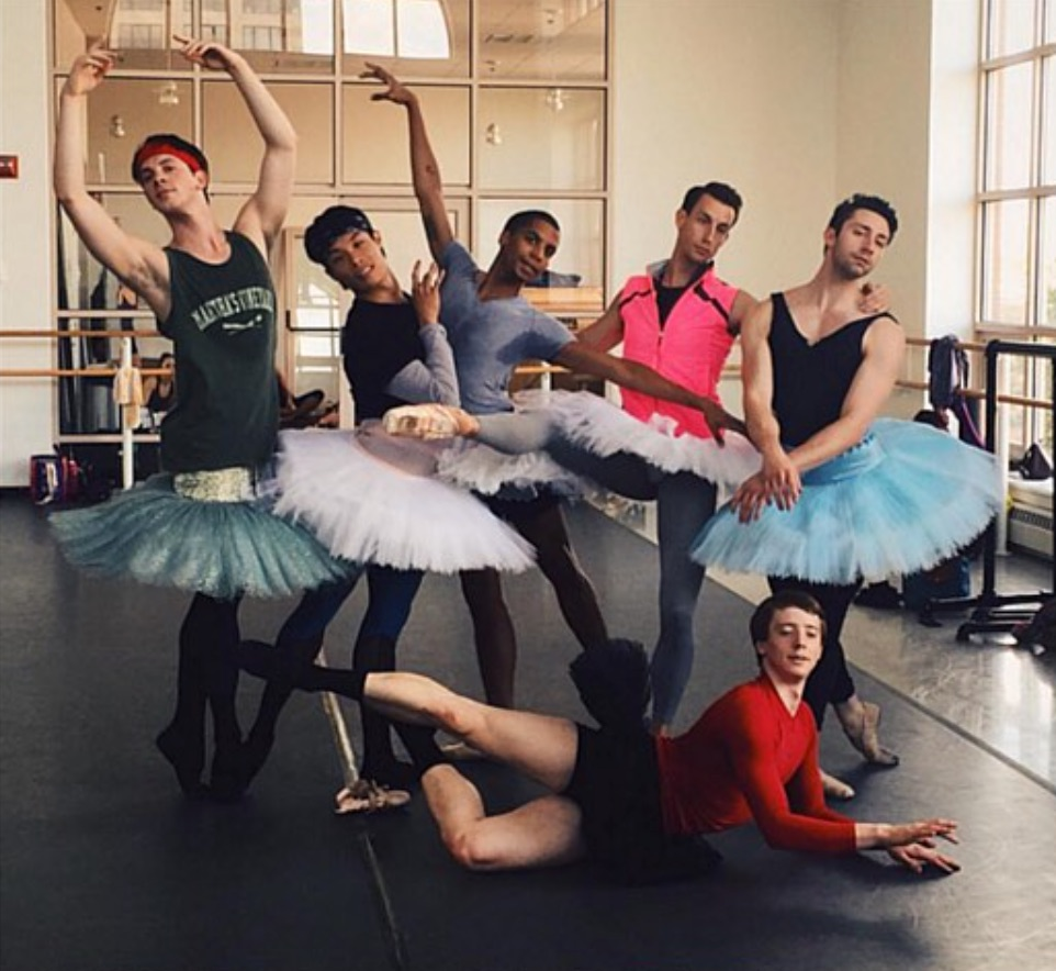 bostonballet-dare2tutu-breast-cancer-fundraiser